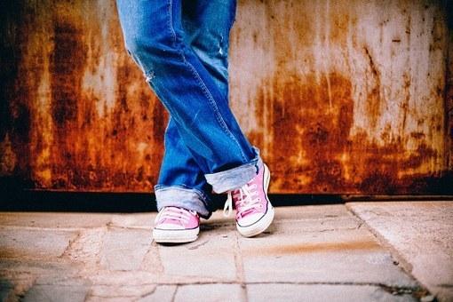 feet-349687__340.jpg