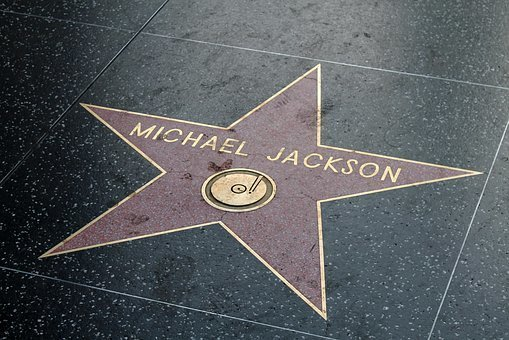 訃報で最も衝撃を受けた有名人は?