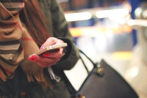 iphone-926235__340.jpg
