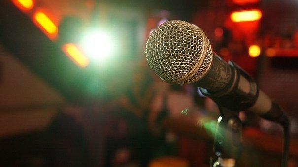microphone-3989881__340.jpg